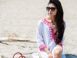 25 Best Beach Outfits For Women