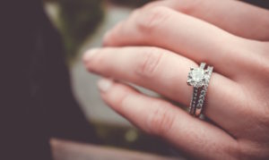 Diamond Buying Tips When Visiting the Best Diamond Shop in Singapore to Buy Engagement Ring
