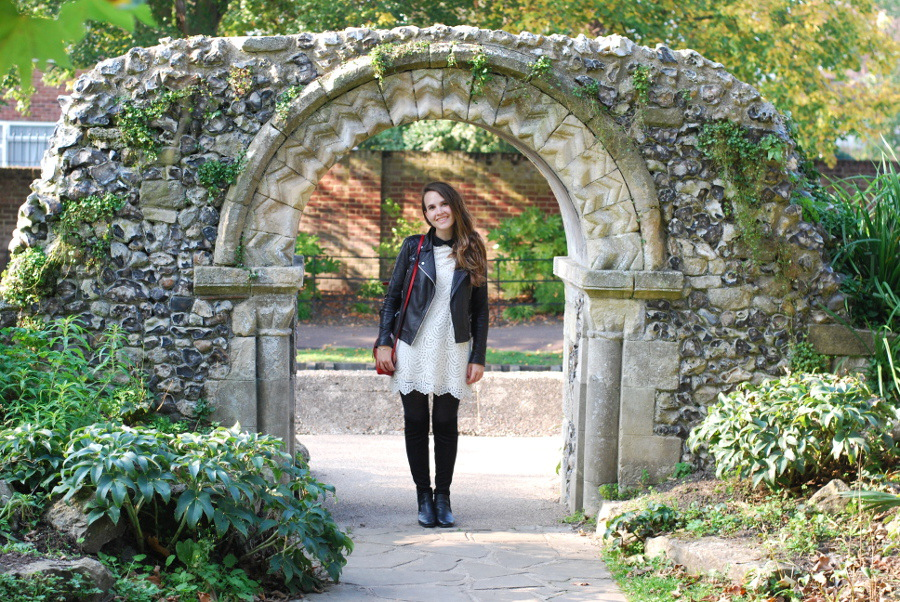 canterbury-outfit