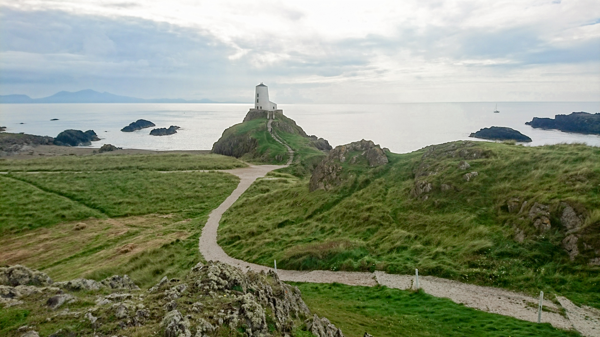 wales-lighthouse-2
