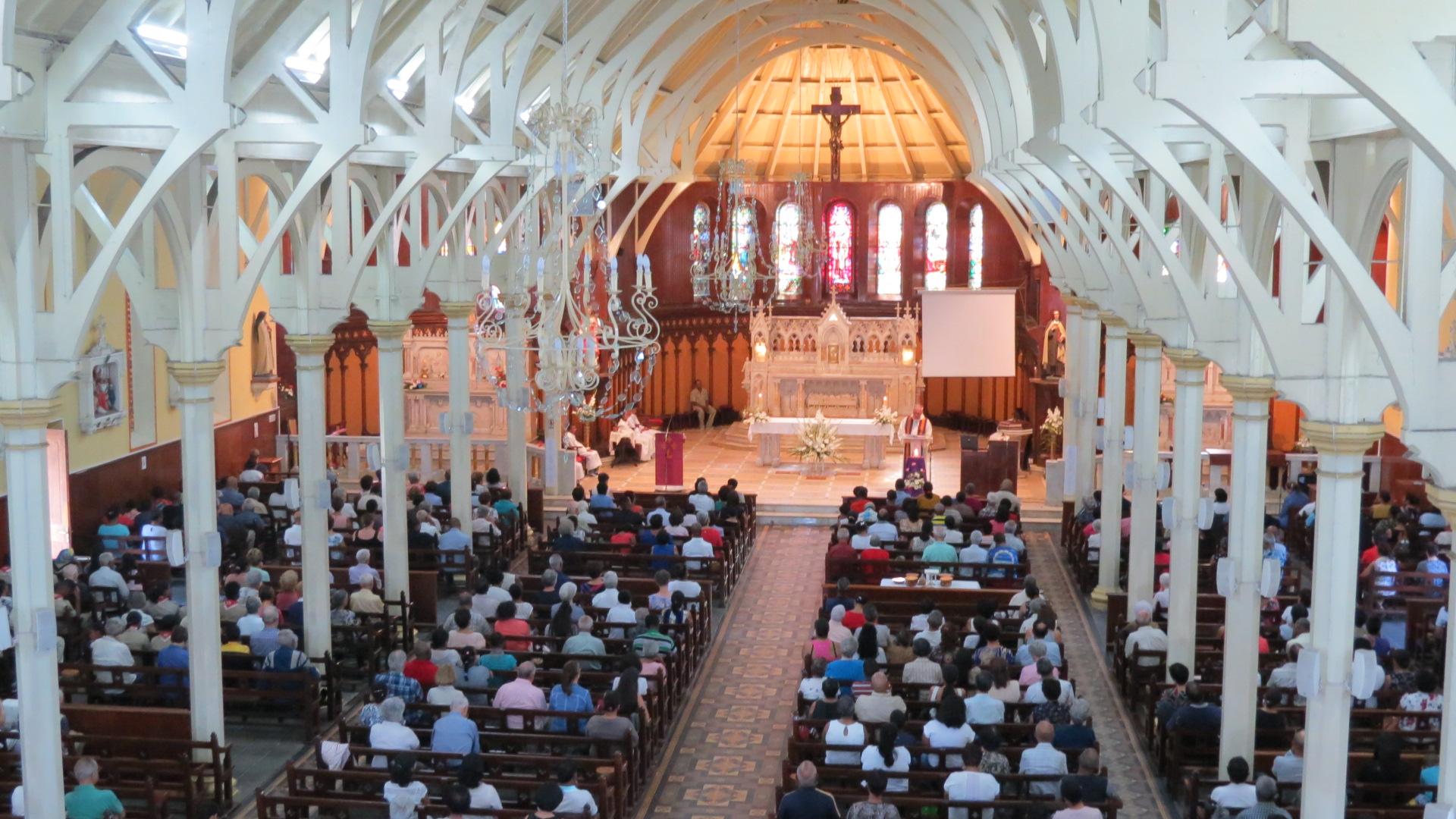 Fidèles paroisse Sainte Thérèse
