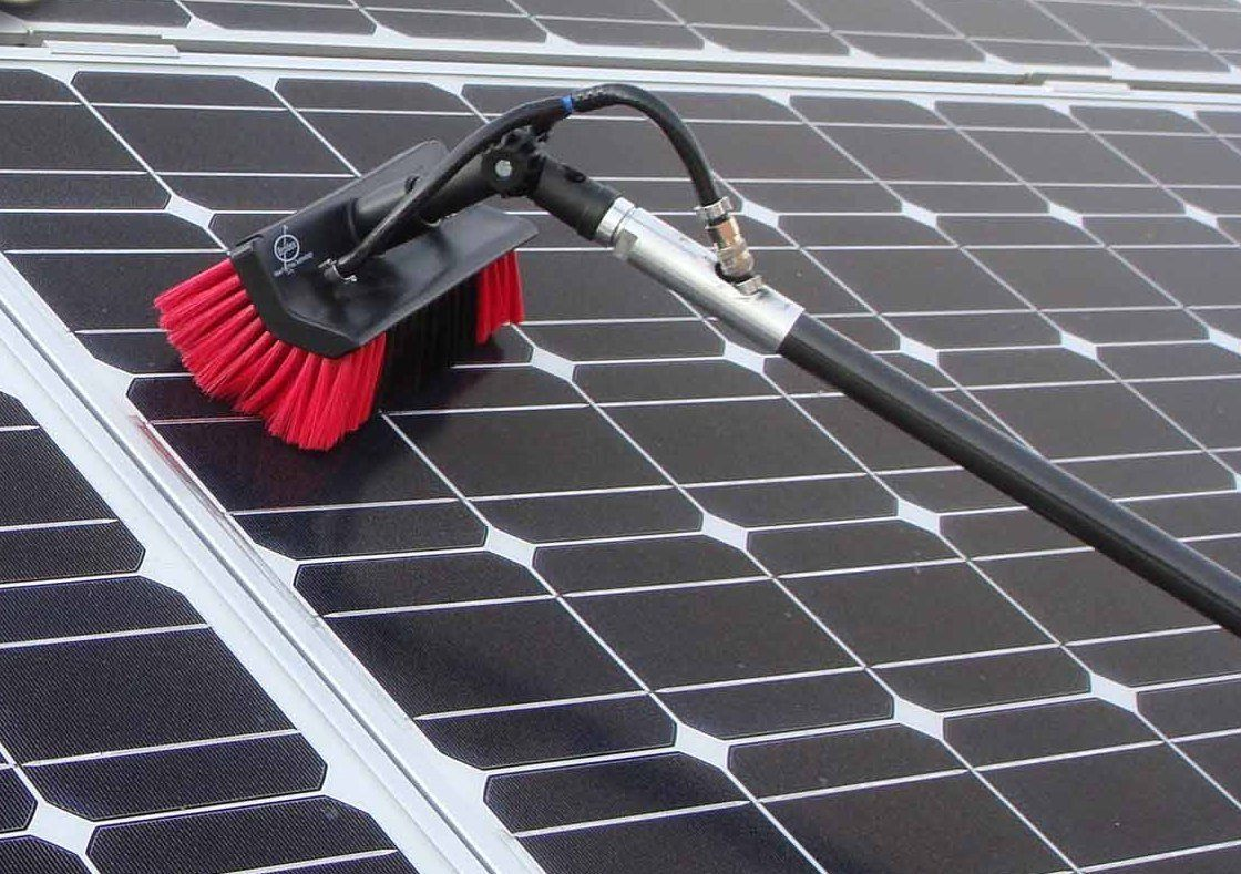 solar-panel-cleaning1