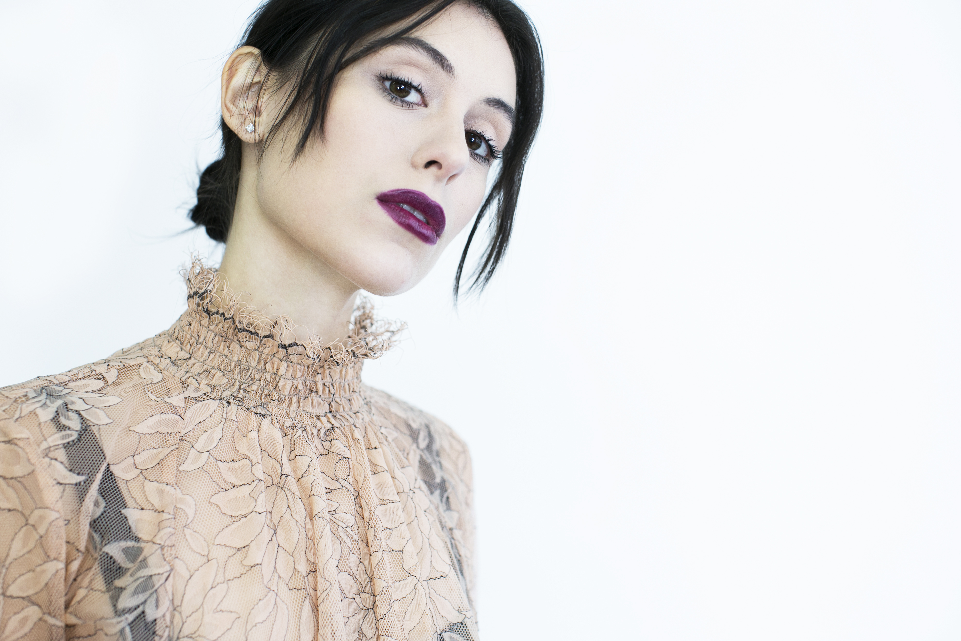 Actres and influencer Marta Pozzan in L'Oreal makeup.