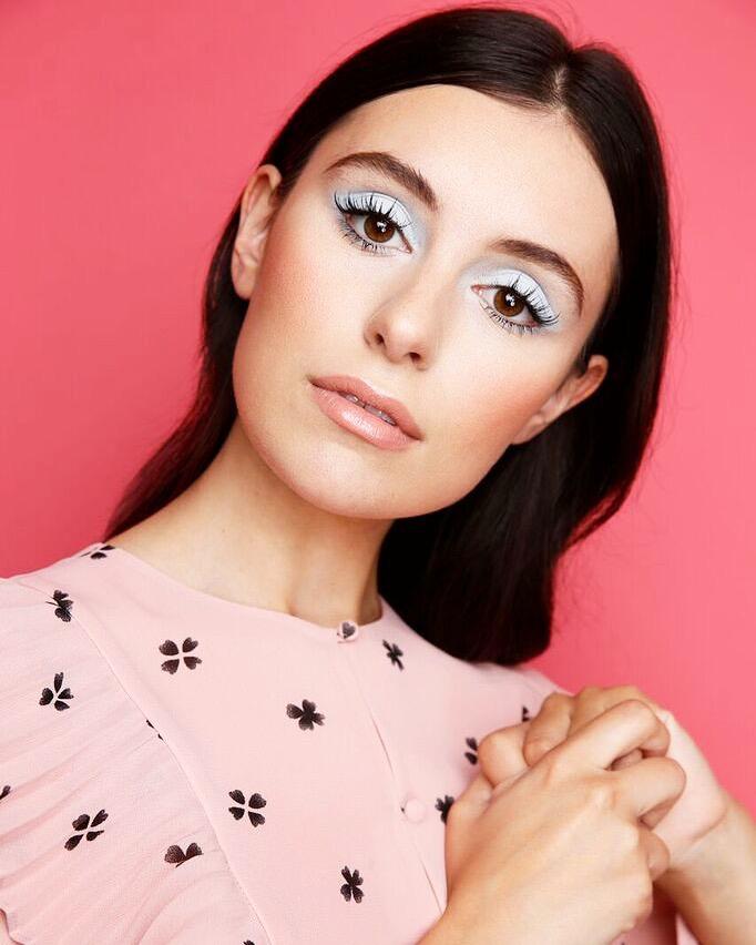 Marta Pozzan in eyeliner matte gel by Marc Jacobs Beauty.