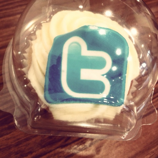 Cupcakes with social media icons