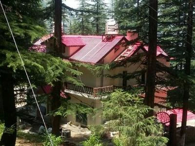 5 Bhk Cottage For Sale at near Mashobra Shimla —- Drive In — Covered Area – 5000 Sq ft — 3 km Link From Mashobra —  Plot Area – 6 Biswa —- Price – 1.75 Cr