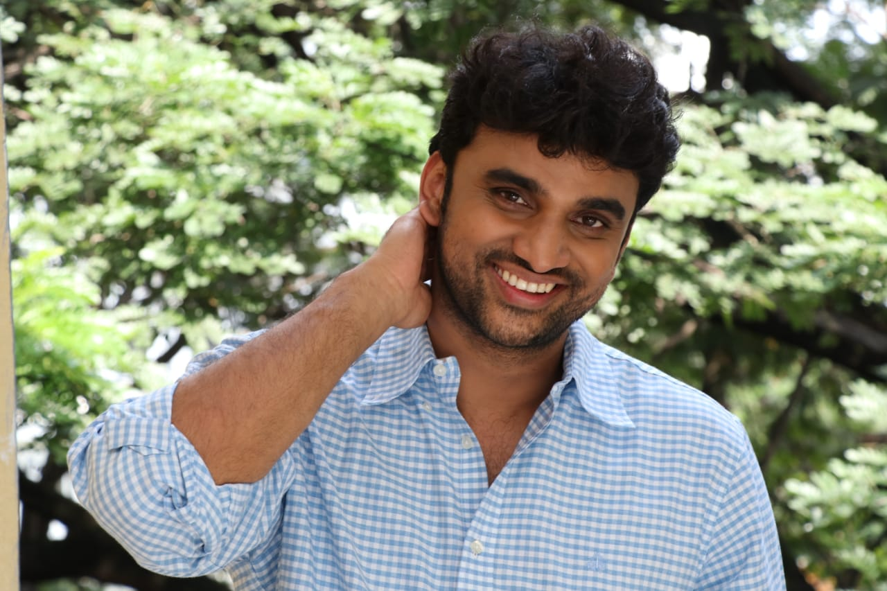 Evvariki Cheppoddu' is running to packed houses: Rakesh Varre