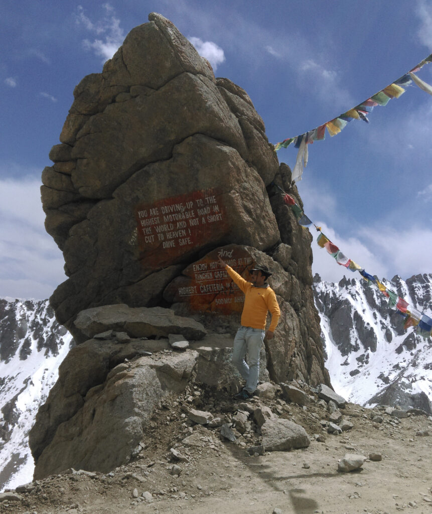 highest motorable road changla visit in ladakh