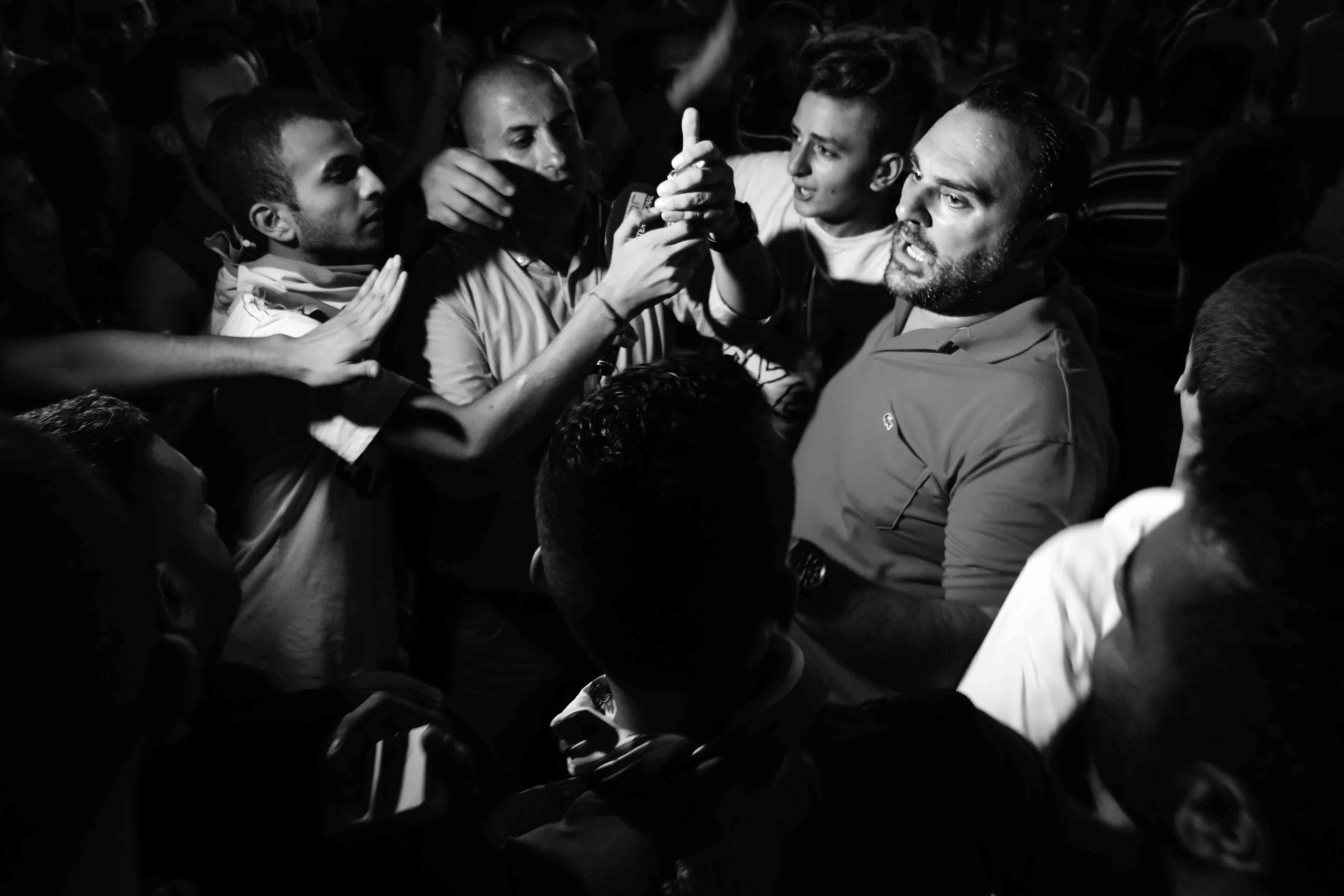 6--Sami-Ouchane-Protest-by-night-n°1-(Downtown,-Beirut,-Lebanon,-23_08_2015)