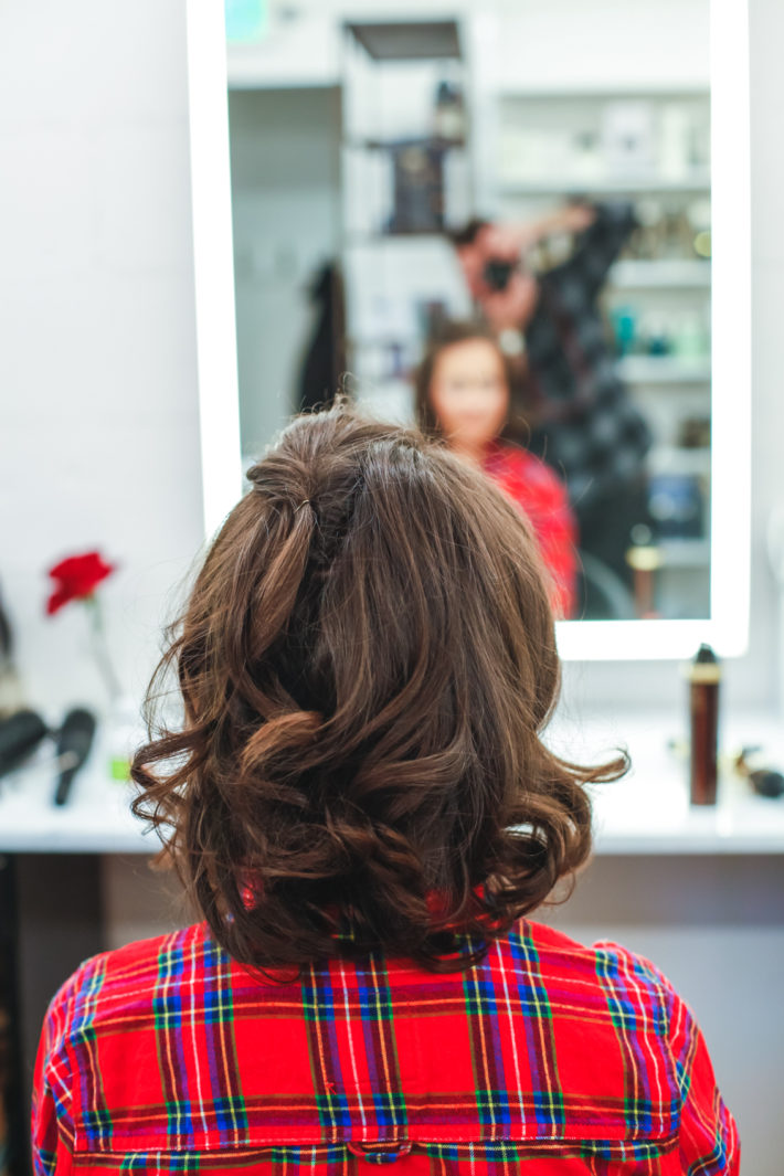 Jackson Hole Blogger gets a fresh hair cut by Frost Salon owner, Rob Hollis in Jackson Hole
