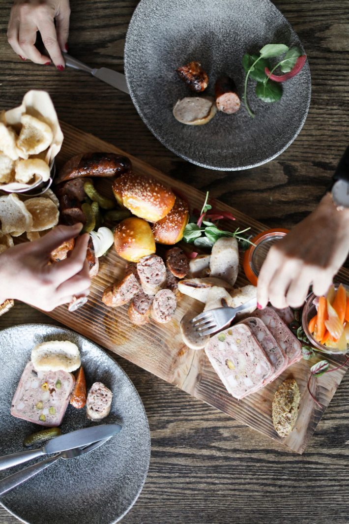 jackson hole blogger digs into menu from the handle bar in the four season resort