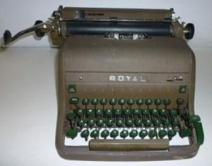 Vintage_1950s_Royal_Manual_Typewriter_Touch_Control