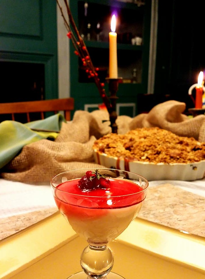islandgirlcatering. local. farm fresh. housemade dessert. from scratch. cocktails. catering. chef. holiday party. holiday dinner. thanksgiving. panna cotta. apple crisp