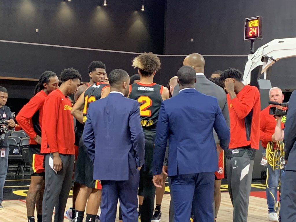 Skyhawks fall to Windy City Bulls