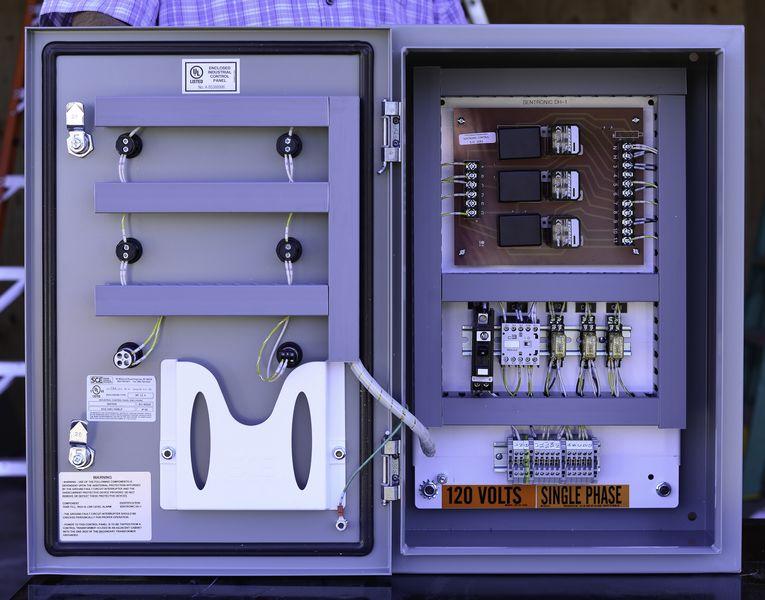 Sentronic tank level controls water level sensors