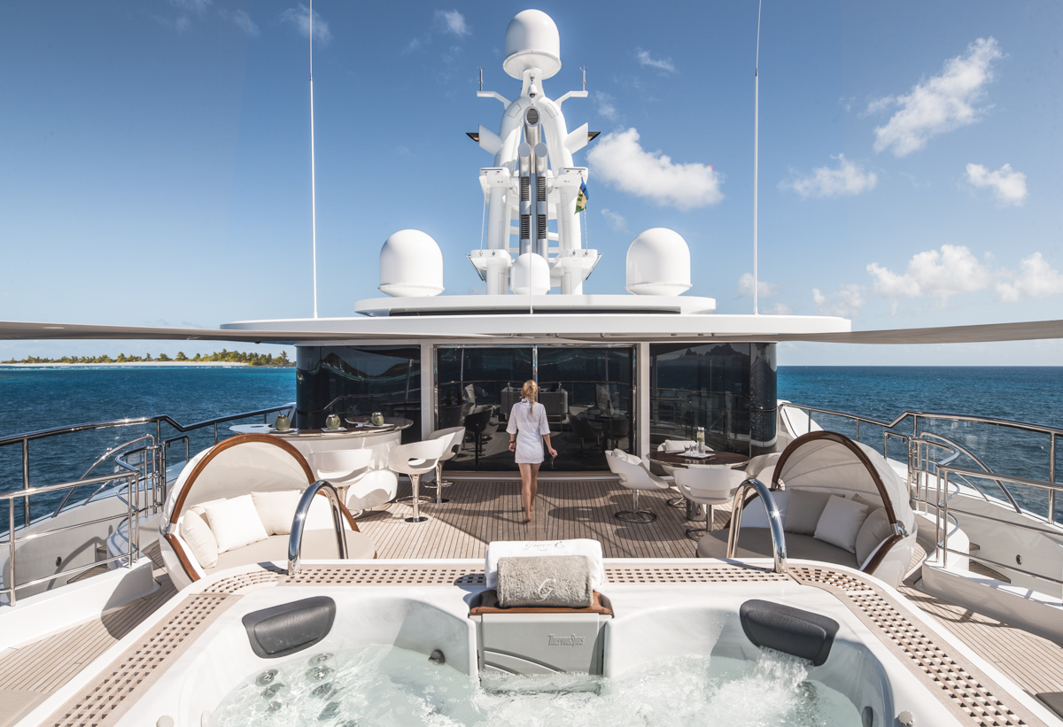 Private Yacht Swimming Pools