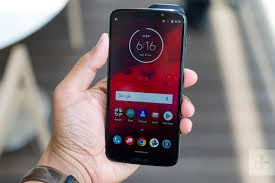 Motorola Moto Z3, Smartphone Flagship Yang Mengecewakan ?