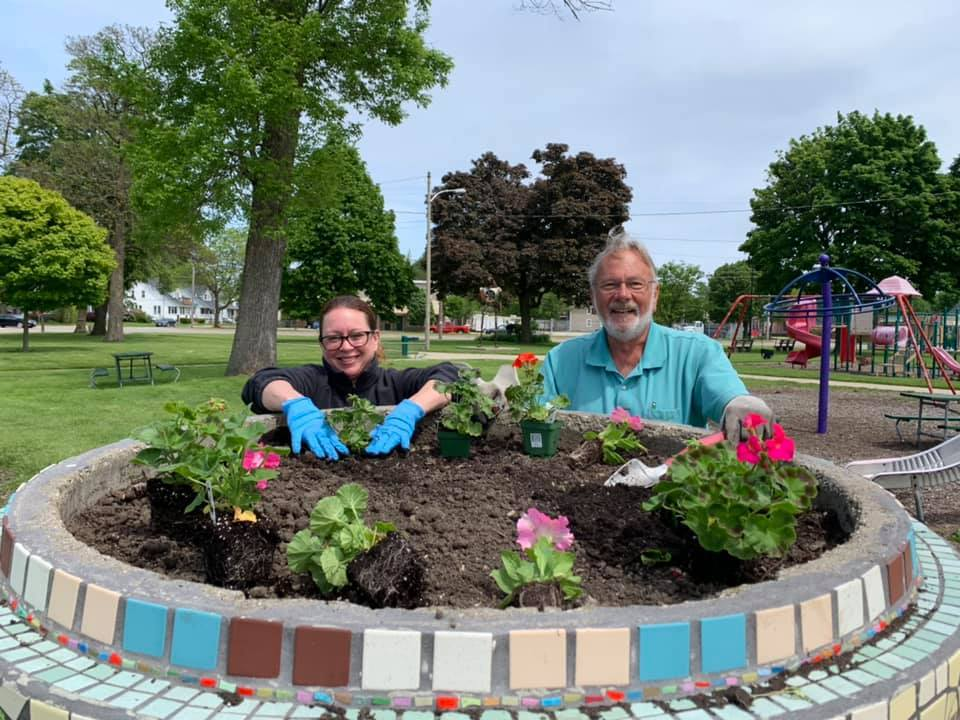 3 Lisa-and-Bill-Planting-Flowers-in-Union-Park