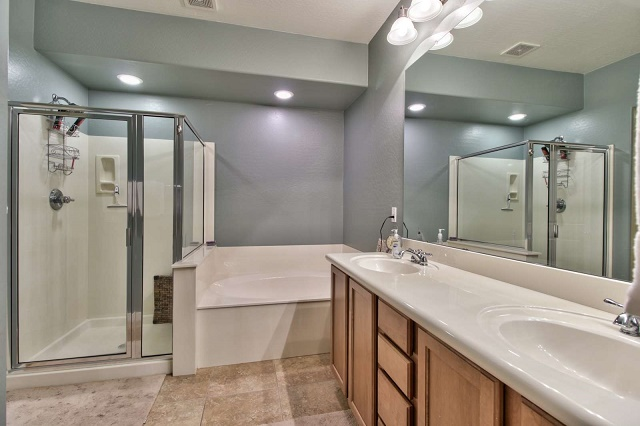 family friendly vacation rentals bathtub
