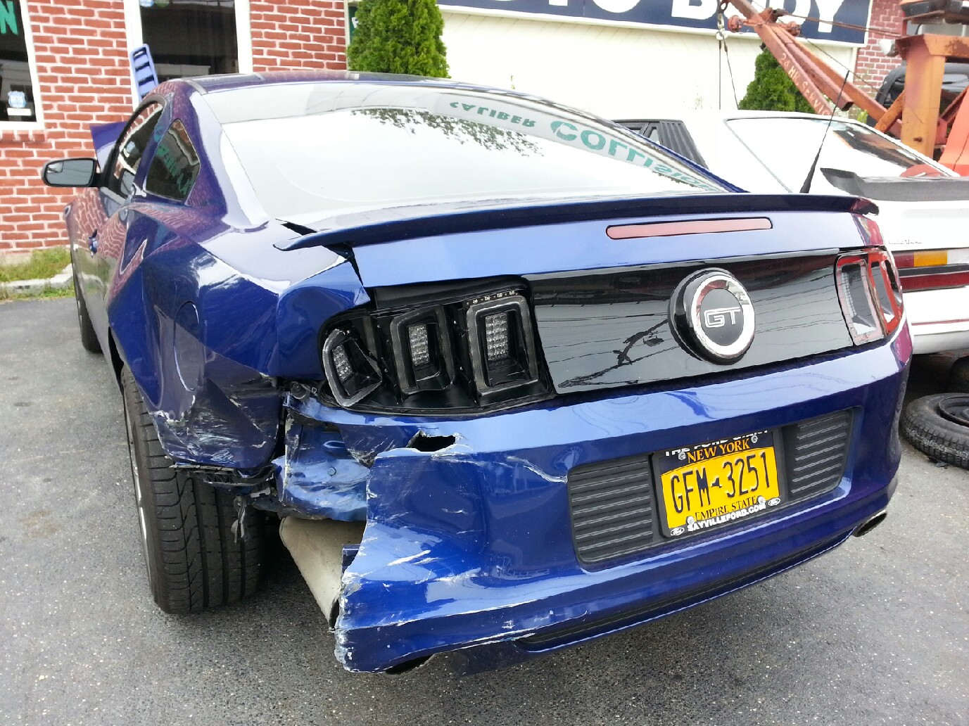 mustang-rear-damaged