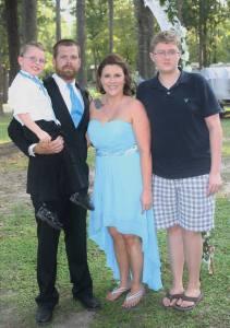 sara thompson and family