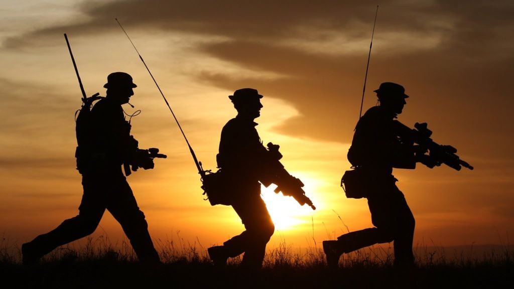 ichef.bbci_.co_.uknews1024cpsprodpb855Eproduction_90324143_soldiers_pa-08b4f9fe6aefdf200cd4e0874fe205a35c6d75c3