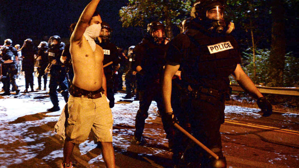 charlotte-police-riot-gear