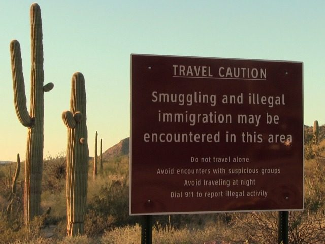 border-sign-in-arizona-640x480