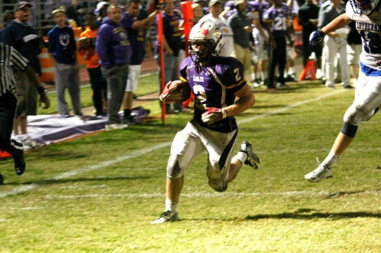 Jacob Clay breaks free in the 2014 district final game.