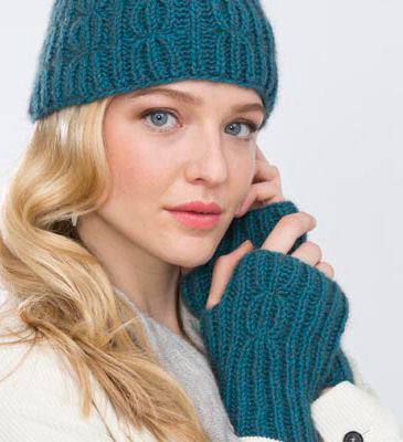 Holli Yeoh | Cable Rib Hat and Wristers