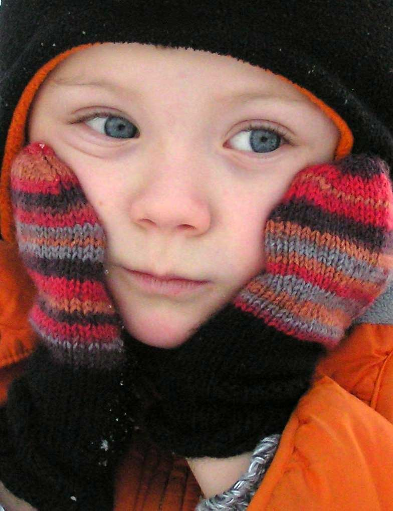 Tobie's Mittens knitting pattern in kids and babies sizes designed by Holli Yeoh