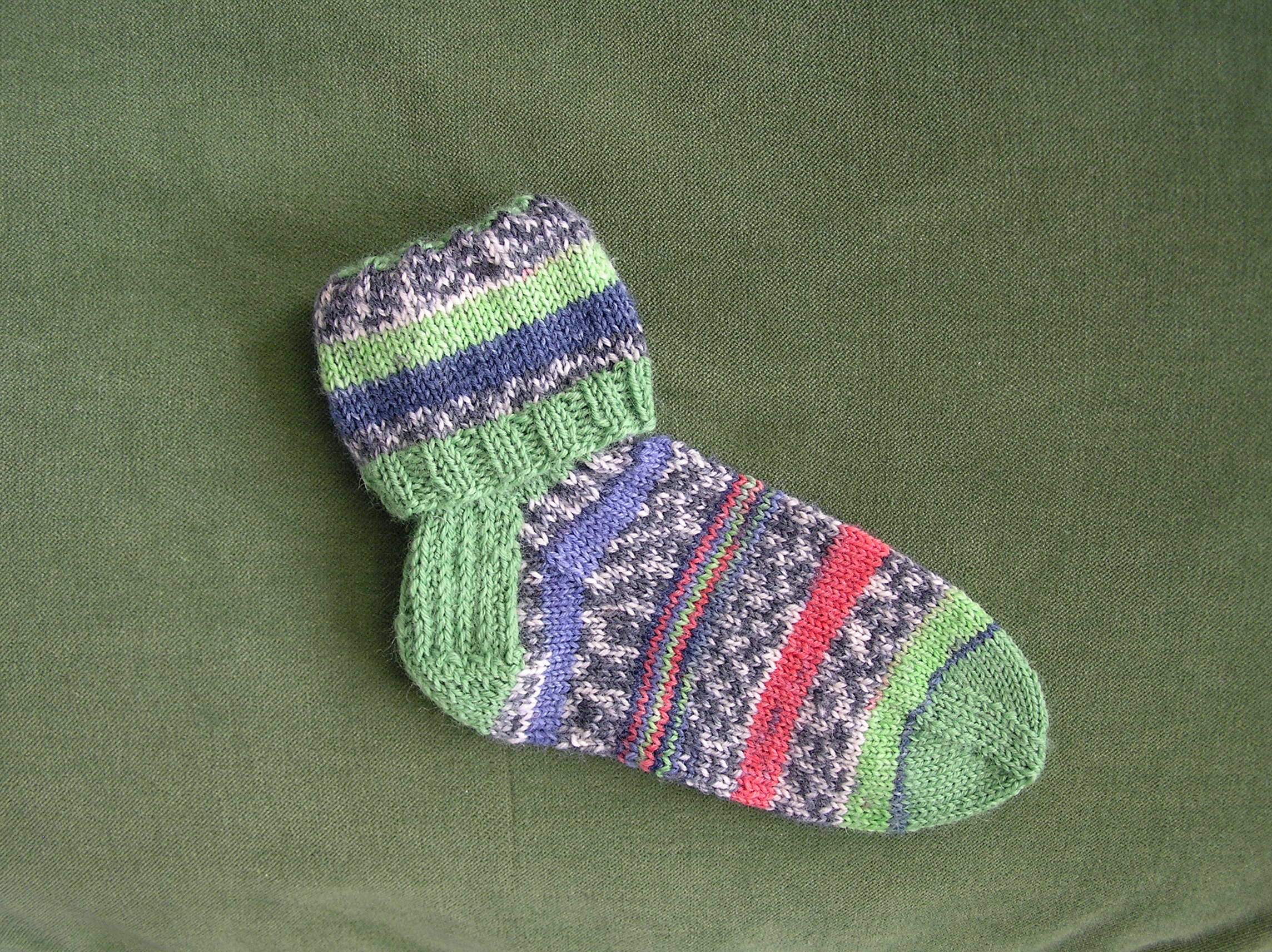 Cuffs socks knitting patter for babies and kids designed by Holli Yeoh