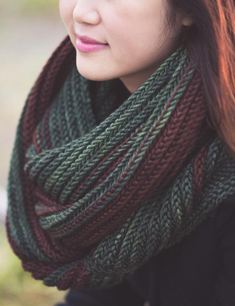 Breakers giant cowl knitting pattern by Holli Yeoh | Tempest book