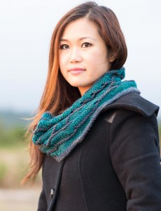 First Beach cowl knitting pattern by Holli Yeoh | Tempest book