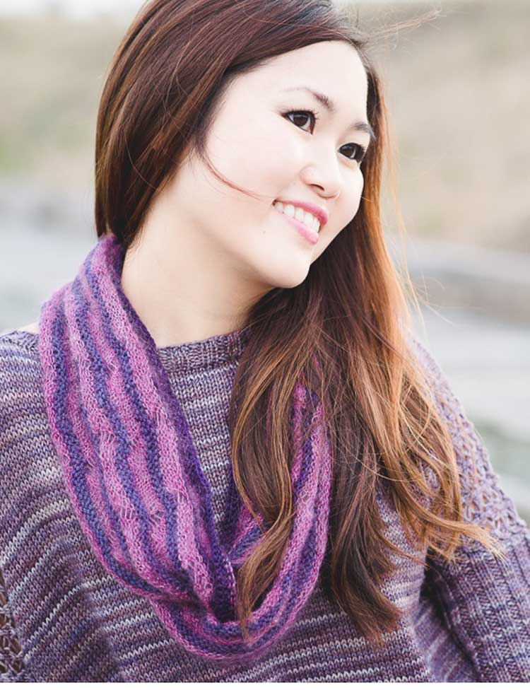 Second Beach cowl knitting pattern by Holli Yeoh | Tempest book