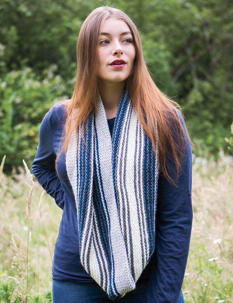 Solace garter stitch cowl knitting pattern by Holli Yeoh