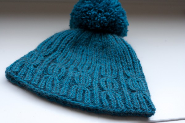 Cable Rib Hat knitting pattern by Holli Yeoh
