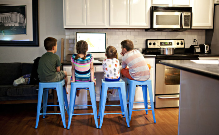 Tips to Safely Drive the Information Superhighway With Your Kids