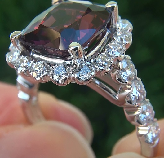 Accent Diamonds:Eye Clean SI1-SI2 Clarity G-H Color