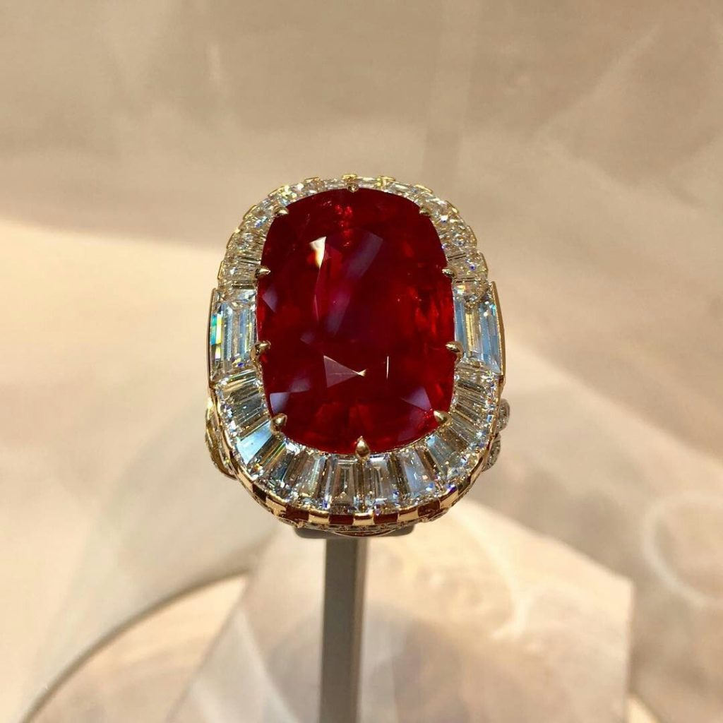 25.76 carats ruby and diamond ring by Van Cleef & Arplels