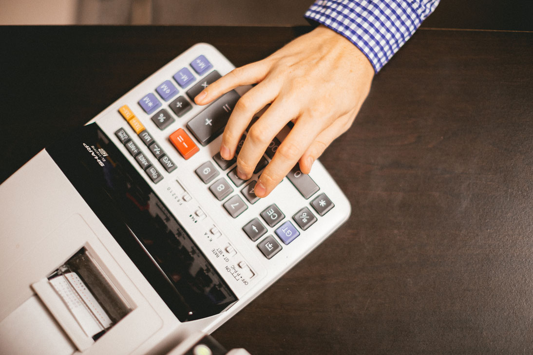 Associates in Accounting CPA Adding Machine