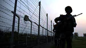 India erects steel fence across Pakistan, Bangladesh border