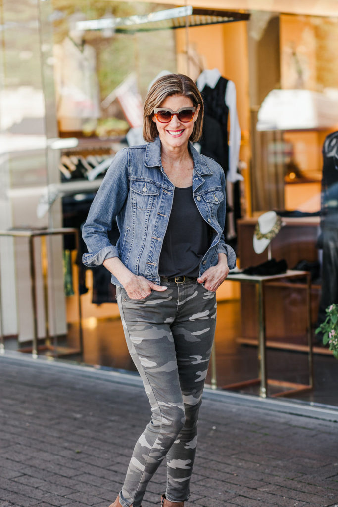 Camo-print-for-women jeans for everyday fashionista