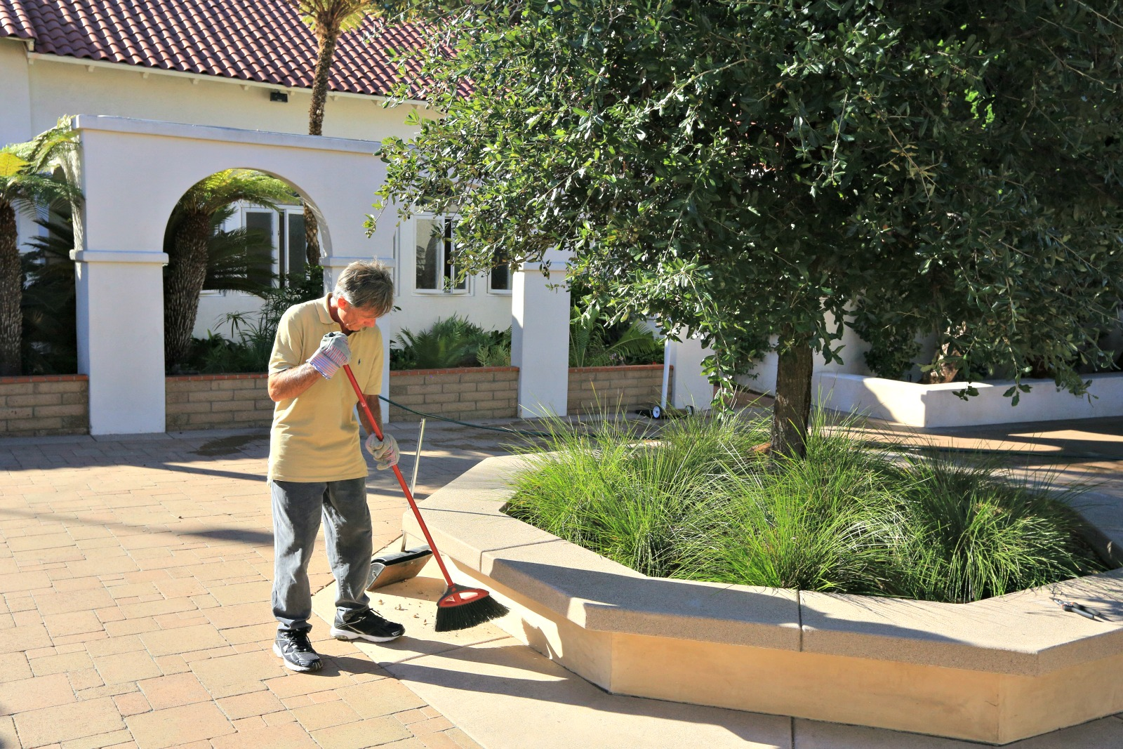 day-of-service-cleaning-patio