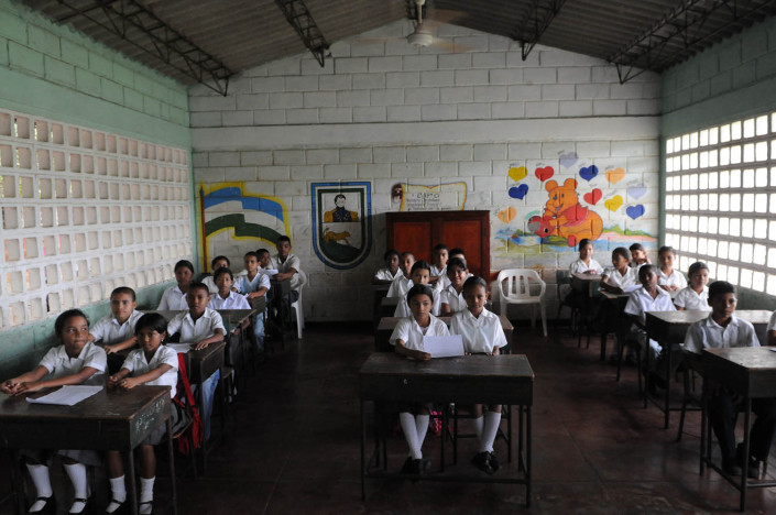 A classroom of 5th grade students in Lorica, Colombia.