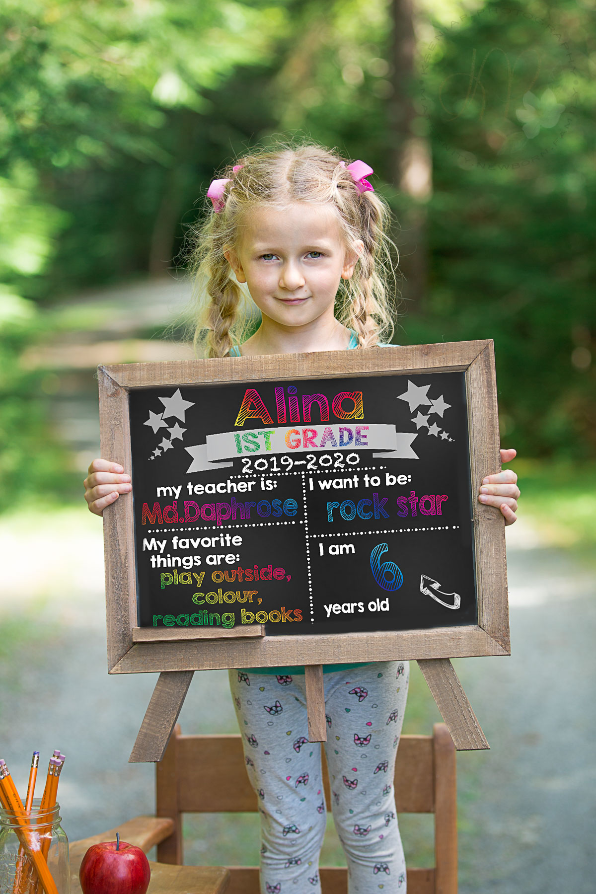 Back to school photo sessions with girl