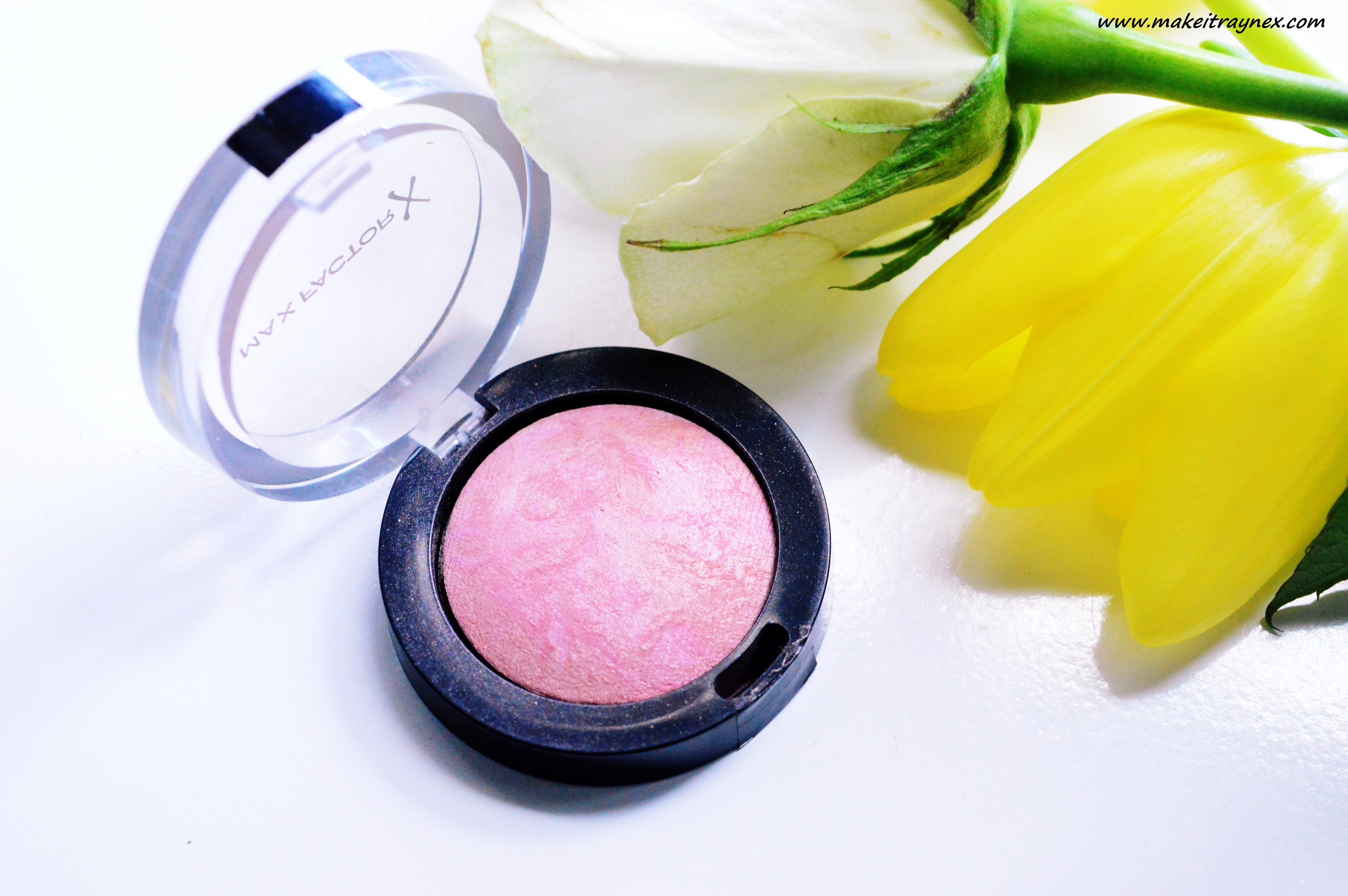 Lovely Pink Creme puff blush from Max Factor {REVIEW}