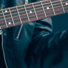 Very Useful Guitar Stands: A Great Gift for Guitarists