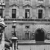 The Bombing of Buckingham Palace in WW2