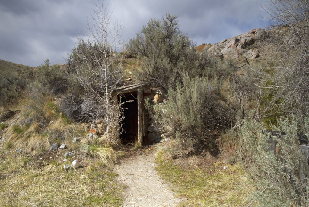 Hut in Bannock Ghost Town